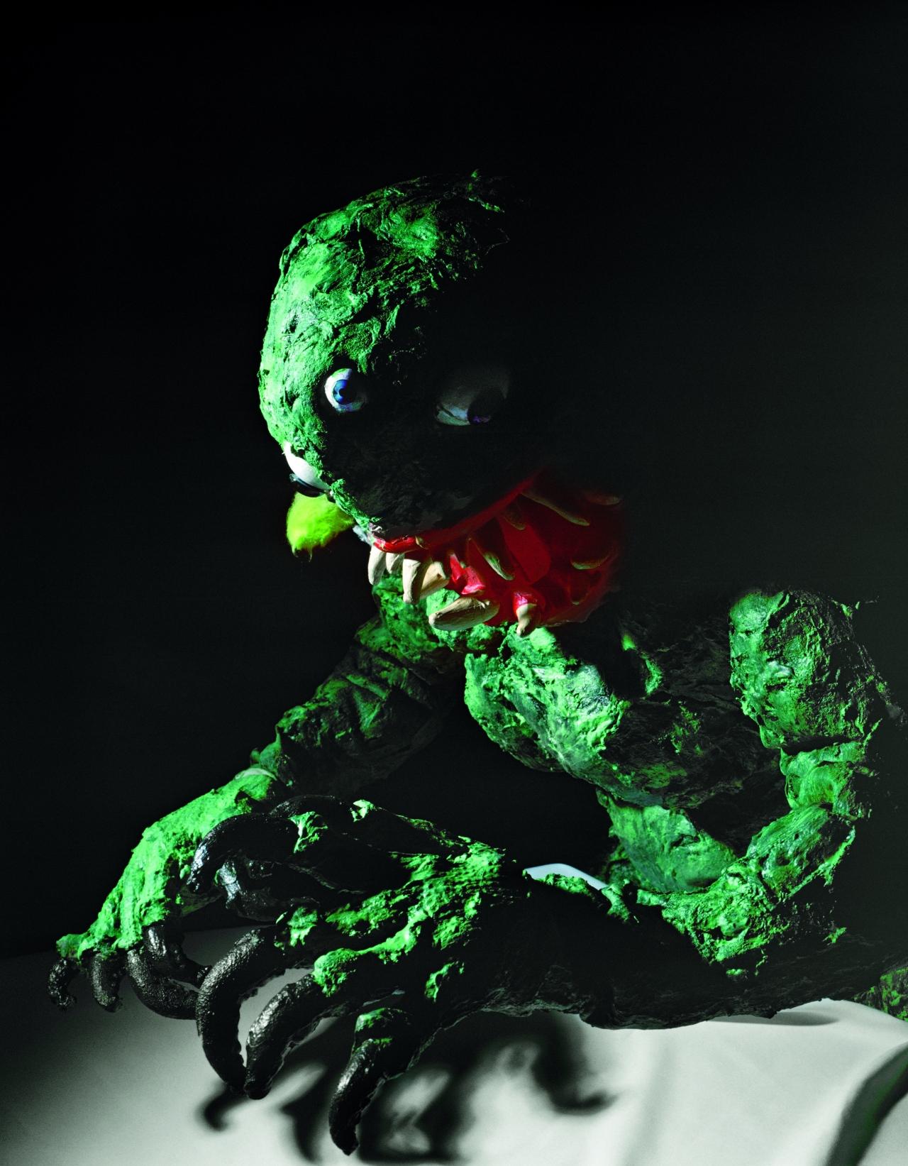 Monster_gross_Fotor
